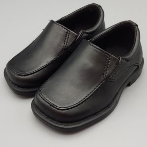 Black slip-on shoes sz. 5